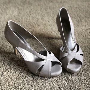 Naturalizer taupe peep toe heels 8